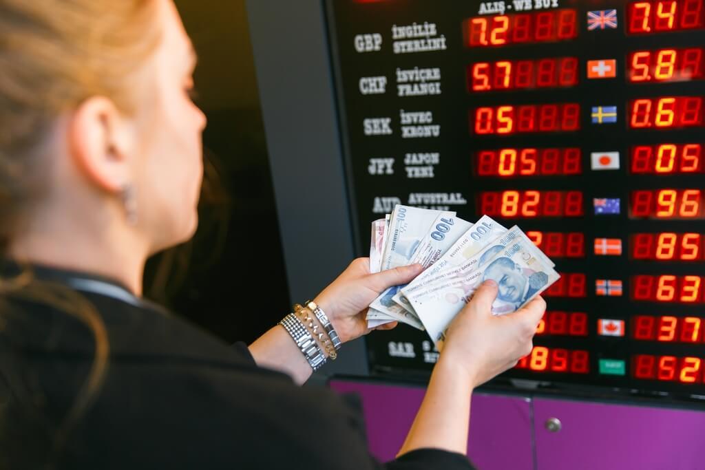 finans-doviz-para